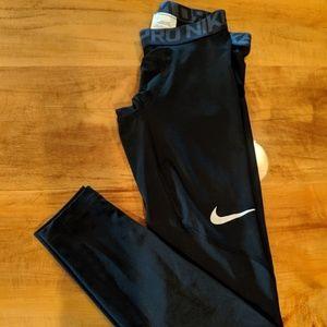 Nike Pro compression leggings black small